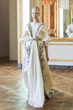 [No.13/16] Alexander McQueen 2010-11秋冬コレクション | Fashionsnap.com