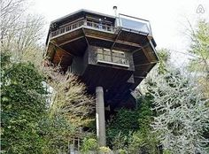 Iconic Saul Zaik  Treehouse! in Portland - Get $25 credit with Airbnb if you sign up with this link http://www.airbnb.com/c/groberts22