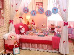 Depois da festa do pijama do Pietro, chegou a vez de mostrar uma versão para meninas! A Manu comemorou seus 7 anos com uma festinha linda no quarto! A deco