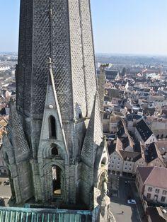 En montant au clocher de la cathédrale de Chartres