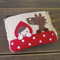 cutecute applique purse,little red riding hood and the big bad wolf Quilting Projects, Craft Projects, Sewing Projects, Fabric Patch, Felt Fabric, Felt Crafts, Fabric Crafts, Felt Phone Cases, Felt Purse