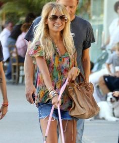 Nicole Richie = casual perfection.