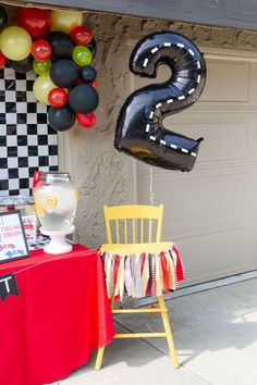 2nd Birthday Party For Boys, Hot Wheels Birthday, Race Car Birthday, Race Car Party, Cars Birthday Parties, Birthday Ideas, Festa Hot Wheels, Hot Wheels Party, Car Themed Parties