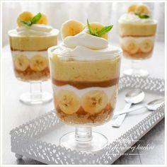 Deser bananowy z tofii Easy Healthy Smoothie Recipes, Cake Recipes, Dessert Recipes, Banoffee Pie, Summer Desserts, Food Presentation, Food Design, Love Food, Food Porn