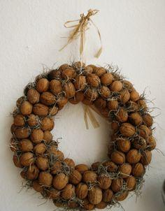 Two words - Walnut. Wreath.