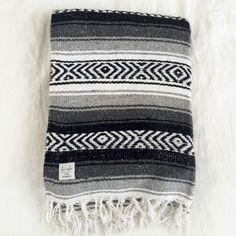 SIMPLE LOVER | Slate - Mexican Falsa Blanket | Beach Blnaket | Bohemian Homewares | dosombre.com