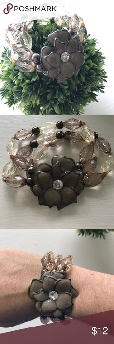 Floral Bead Bracelet Floral Bead bracelet from LOFT / EUC / no signs of wear / bundle with one more item and save! LOFT Jewelry Bracelets