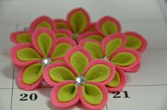 Set of 6pcs handmade felt flower--dark canation/light green (FT453). $5.00, via Etsy.