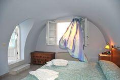 Pantheon Villas Hotel in Imerovigli, Santorini. Luxury villas on the caldera Luxury Villa, Santorini, Villas, Flooring, Bedroom, Furniture, Design, Home Decor, Luxury Condo