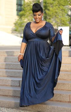 PLUS SIZE & CURVY FASHION - Style Chic 360: Black Tie + Red Carpet Ready Wearing IGIGI by Yuliya Raquel Antoinette Gown. Inez, rocking this gown #stylechic360