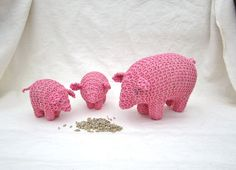 Pig organic very pink mama pig with two baby pigs by pingvini, $45.00