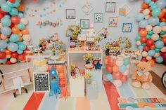 Kids Party Themes, Birthday Party Themes, Happy Birthday, Lil Boy, Party Decoration, Animal Party, Vintage Toys, Party Planning, Birthdays