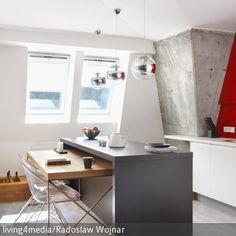 Eine Theke in der Küche spart Platz, denn man kann sie multifunktional als Arbeitsfläche, Essgelegenheit und mit den passenden Hockern sogar als Bar nutzen. …