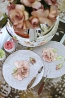 Fotos de Evgenia Ermilova Sculpture Painting, Clay Flowers, Decorative Plates, Photo Wall, Table Decorations, Wall Photos, Tableware, Crafts, Inspiration