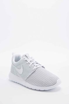 info for 86018 6ff6a Nike Roshe Run Trainers in White