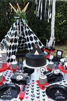 Loving this Wild at heart Valentine's Day party!!! See more party ideas and share yours at CatchMyParty.com