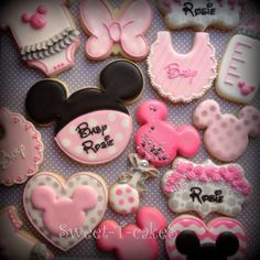 Sweet-T-cakeS - Minnie Mouse baby shower cookies - Minnie Mouse Cookies, Minnie Mouse Decorations, Disney Cookies, Baby Cookies, Baby Shower Cookies, Sugar Cookies, Anniversaire Theme Minnie Mouse, Minnie Mouse Theme, Mickey Y Minnie