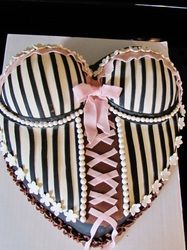 corset cake Bikini Cake, Lingerie Cake, Corset Cake, Belly Cakes, Gateaux Cake, Cake Craft, Types Of Cakes, Cakes For Men, Occasion Cakes
