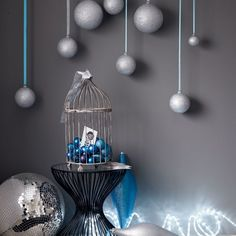 Display baubles | Modern Christmas decorating ideas |