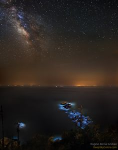 Blue Tears and the Milky Way --- Apr. 24 --- Image Credit & Copyright: Rogelio Bernal Andreo (Deep Sky Colors)