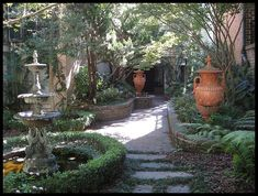 Savannah Courtyard Gardens | gardens patios and courtyards / Savannah , Ga courtyard