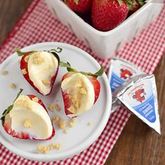 Spread fresh picked, sweet and juicy strawberries with Creamy Original Swiss, then top with chopped cinnamon cookies. This sweet, creamy, and crunchy combo is the perfect way to celebrate Pick Strawberries Day! @IowaGirlEats Ingredients: The Laughing Cow Original Swiss cheese Chopped Cinnamon Cookies Fresh Strawberries
