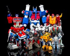 Transformers Masterpiece MP-10 Convoy (Optimus Prime), MP-12 Lambor (Sideswipe), MP-19 Smokescreen, MP-22 Ultra Magnus, MP-18 Streak (Bluestreak), MP-17 Prowl, MP-21 Bumble (Bumblebee), Masterpiece Rodimus Prime, MP-20 Wheeljack and MP-21 Bumble Exosuit
