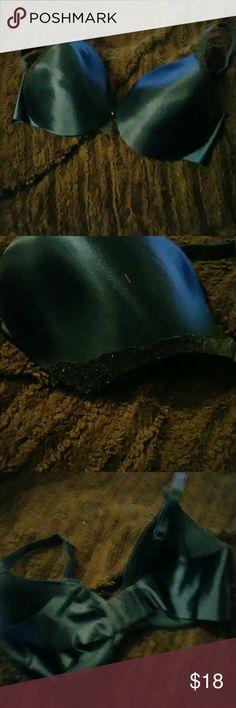 Maidenform bra Navy blue with black lace bra from Maidenform.  EUC Maidenform Intimates & Sleepwear Bras