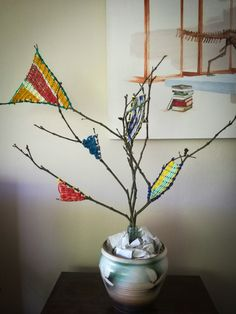 This time of year can often be filled with unnecessary plastic - fake trees, junky toys, Christmas Crackers, tacky decorations. Fake Trees, Christmas Crackers, Sustainable Living, Zero Waste, Christmas Decorations, Decorating, Tips, Ideas, Home Decor