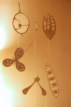 Paper seed pods by Hannah Nunn. I want! (but maybe if I find time I could do something like this myself?).