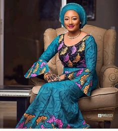 The right picture collection of 2018 latest ankara styles for ladies. Every woman deserves to rock the latest ankara styles of 2018 African Fashion Ankara, Latest African Fashion Dresses, African Print Dresses, African Print Fashion, Africa Fashion, African Dress, African Clothes, African Lace, African Attire