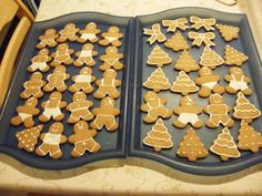 Mézeskalács recept Christmas Sweets, Christmas Goodies, Xmas, Candy Cane, Cookie Decorating, Gingerbread Cookies, Cookie Recipes, Food To Make, Cocoa