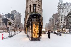 Snow day at the Flatiron Building in NewYork