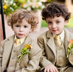 Notch Lapel Khaki Children Suit Fashion Tuxedo prom Party Flower Boy dress wedding suits for boys 2017 (Jacket+Pants+Vest) Prom Party, Wedding Party Dresses, Party Wear, Formal Wedding, Wedding Events, Wedding Ideas, Weddings, Planer Cover, Ring Bearer Suit