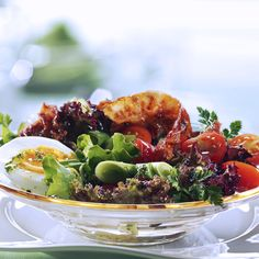 Rezept für Bunte Salate mit Kirschtomaten, Ei und Bacon