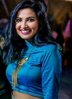 Vidya Vidya Vox, Beautiful Girl Indian, Indian Beauty, Cute Girls, Bae, Vogue, Satin, Singer, Wallpapers
