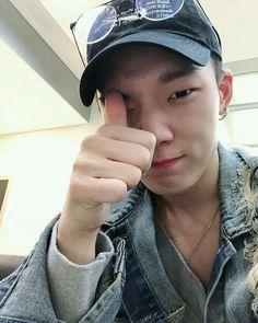 Update Instagram dari para member squad uhuy.  the member:   -Amber -… #fiksipenggemar # Fiksi penggemar # amreading # books # wattpad Bobby, Super Junior, Mix And Match Ikon, Winner Ikon, Ikon Member, Yg Artist, Kim Jinhwan, Ikon Wallpaper, Double B