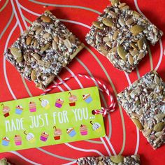 seed crackers from green gourmet giraffe blog (a great healthy gift or snack)