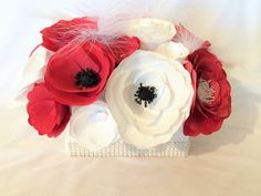 Pretty paper flowers - pinned by pin4etsy.com