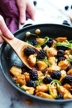 Sweet and savory, easy 20 minute Thai blackberry basil chicken. | Creme de la Crumb