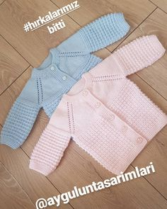 No automatic alt text available. Baby Cardigan, Knit Baby Dress, Knitting Stiches, Baby Knitting Patterns, Crochet Patterns, Bebe Baby, My Baby Girl, Crochet Baby, Knit Crochet
