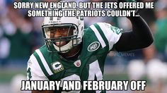 On Wednesday the New York Jets arrived at camp on Wednesday while cornerback Darrelle Revis proclaimed Super Bowl thoughts. Nfl Jokes, Football Jokes, Football Awards, Jets Football, Patriots Football, Football Things, Funny Nfl, Funny Memes, Sports Memes