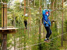 Huipun yläradat sopivat vähintään 100 cm pitkille seikkailijoille. Suositusikärajamme on kuusi vuotta.  The top courses at #TreetopAdventureHuippu are built for at least 100 cm tall adventurers. The recommended age limit at Huippu is 6 years.