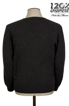 100% cashmere - V neck BUY IT NOW --> http://www.120cashmere.it/en/cashmere-clothing-man/92-collo-a-v.htm Collo a V da uomo in 100% cashmere COMPRALO ORA --> http://www.120cashmere.it/it/cashmere-uomo/92-collo-a-v.html