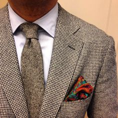 Houndstooth blazer, white shirt, light brown wool tie, red silk p square Blue And White Shirt, White Shirt Men, Mens Fashion Uk, Men's Fashion, Blazer Fashion, Houndstooth Jacket, Paisley Dress, Well Dressed Men, Casual Street Style
