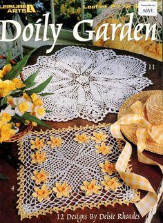 Annie/'s crochet pattern booklet NEW A Dozen 12-Hour Doilies