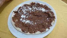 Pizza alla Nutella: colazione, merenda o cena? chi lo sa! Foto fatta a Torino.