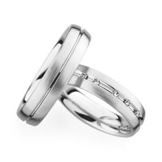 Matching platinum wedding rings by Christian Bauer Band Engagement Ring, Engagement Jewelry, Engagement Ring Settings, Wedding Engagement, Wedding Jewelry, Stainless Steel Wedding Bands, Wedding Motifs, Pieces Men, Platinum Wedding Rings