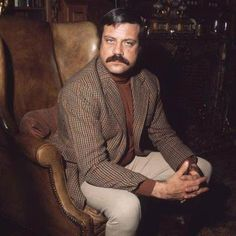 The author says this the inspiration for Aral Vorkosigan. I'm good with that so long as Mr Reed is pictured with a mustache. Lois Mcmaster Bujold, Oliver Reed, Star Wars, Cover Quotes, Making A Movie, Silent Film, Hollywood Celebrities, Man In Love, Vintage Hollywood