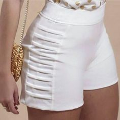Interesting side seam treatment {photo only} Short Outfits, Cool Outfits, Short Dresses, Fashion Outfits, Womens Fashion, Studded Shorts, Lace Shorts, Chor, Mode Style